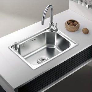 如何挑选厨房不锈钢水槽
